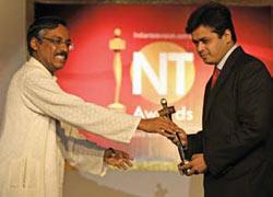 Aaj Tak's Abhisar Sharma (right) with the NT Award