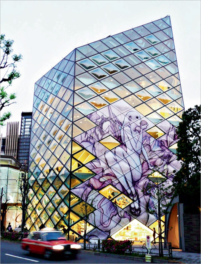 Quirky glass art on the Prada building in Omotesando