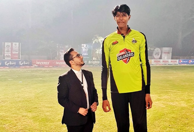 This 7 ft-6 inches tall Pakistani cricketer aims to be world's tallest bowler