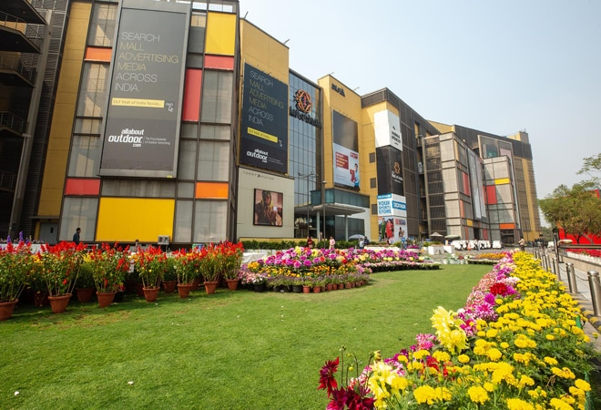 Rs 1 lakh stolen from woman's purse in Noida's DLF Mall of India, probe underway