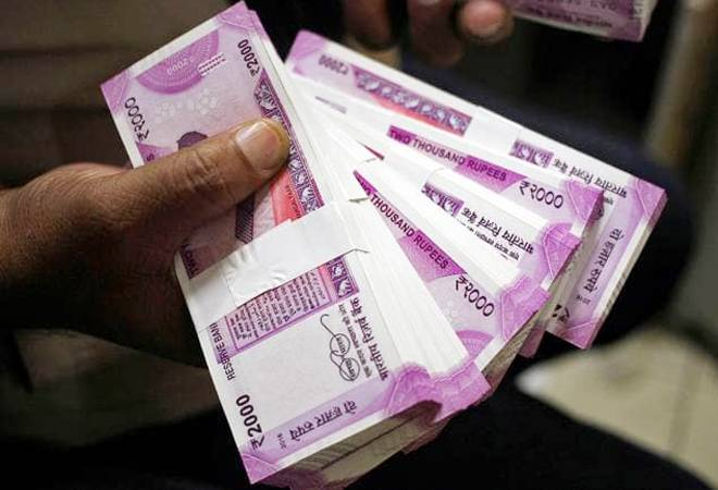 Number of Rs 2,000 notes in circulation drop in FY19; RBI considers varnished Rs 100 notes