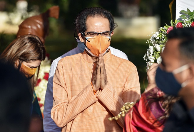 Uddhav Thackeray meets business leaders to discuss COVID-19 mitigation plan