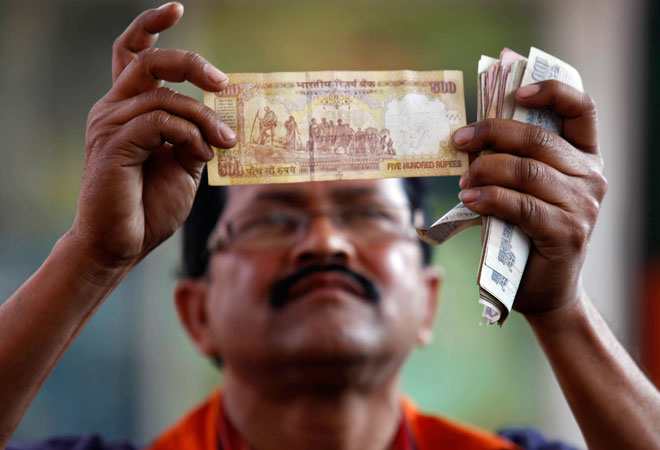 Govt approves new security features to tackle fake currency menace