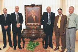 S.A.Bhat (third from left), CMD, Indian Overseas Bank