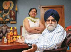 Kashmir Apiaries' J.S. Kapoor with his wife: Hopes domestic demand for honey will grow