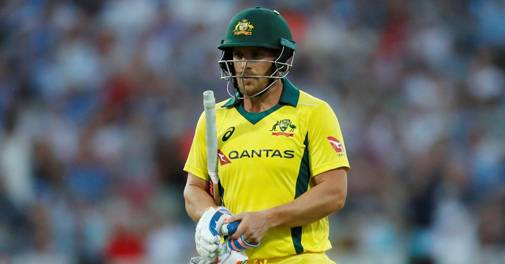 IPL 2020: Aaron Finch caught vaping during RCB-RR match; Twitterati has a field day