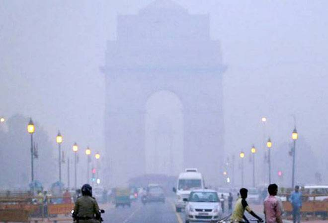 Delhi gasps for breath as air pollution worsens due to dust storms