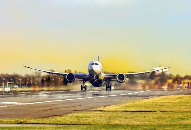 US revokes Boeing 737 MAX flight ban after crash probe; relatives denounce move