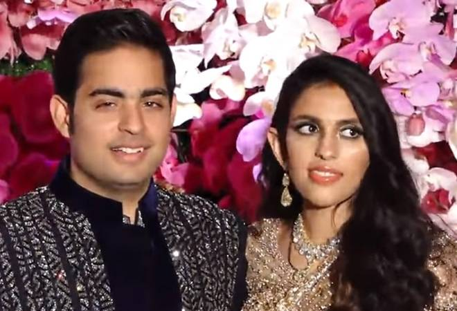 Akash Ambani-Shloka Mehta's reception: Check out Maroon 5's performance, star studded post-wedding bash