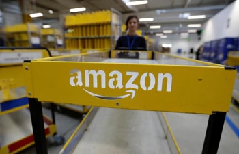 COVID-19 boosts holiday sales, investment in delivery for Amazon