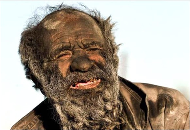 Meet the world's 'dirtiest' man who hasn't showered in 65 years