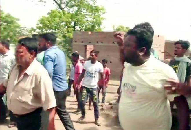 Lok Sabha Election 2019 Phase 4: Clash between TMC workers and security personnel in West Bengal's Asansol