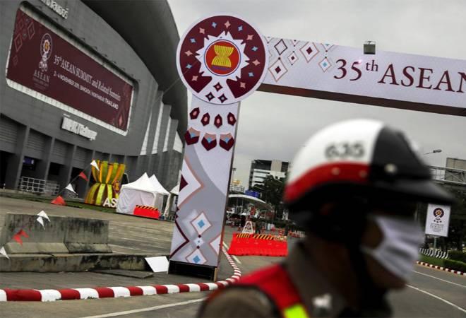 ASEAN leaders meet under US-China trade war tensionsASEAN leaders meet under US-China trade war tensions