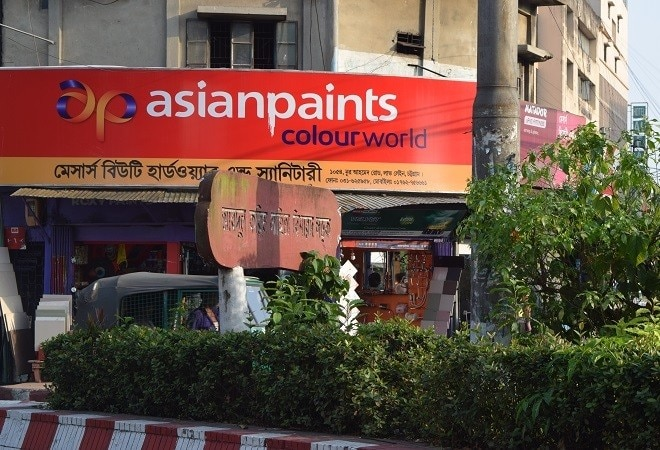 Downturn in auto, real estate sectors, lockdown pains hit Asian Paints