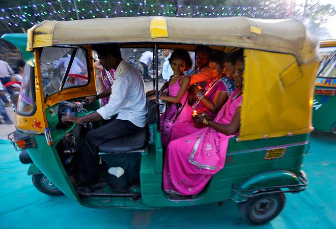 Over 90,000 auto-rickshaw drivers to benefit as AAP govt approves hike in auto fares ahead of LS polls
