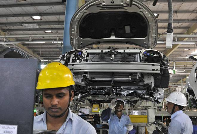Auto industry growth restricted by low rural offtake in Nov