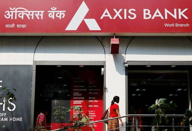 Axis Bank appoints Rakesh Makhija as non-exececutive chairman for 3 years