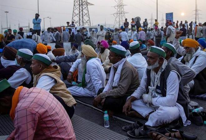 Govt says proposals address farmers' concerns; agitators to intensify protest