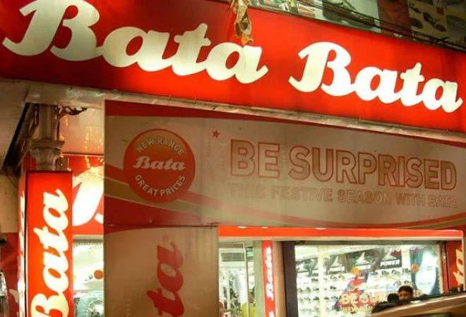 Bata fined Rs 9,000 for forcing customer to pay Rs 3 for paper bag