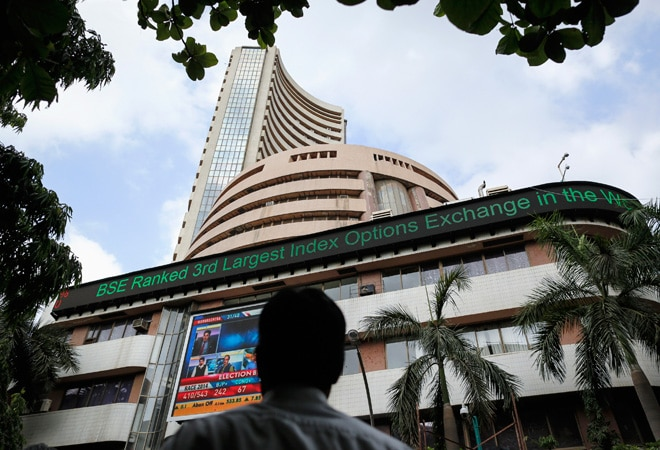 Sensex snaps rising trend, ends 68 points down