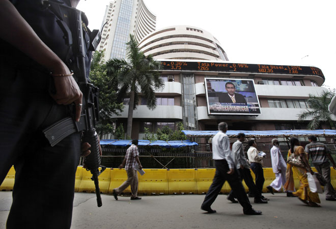 TCS stock closes lower on Q1 earnings