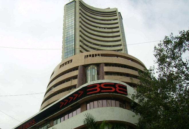 Sensex sheds 144 pts in late sell-off; bank stocks sink