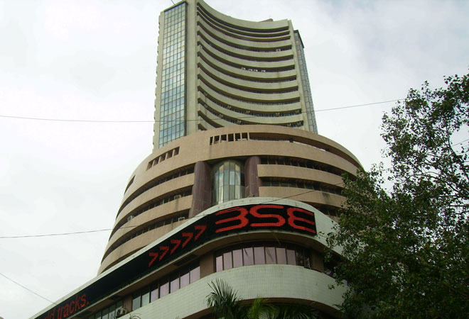 FPIs pull out Rs 4,615 crore from Indian markets as COVID cases rise