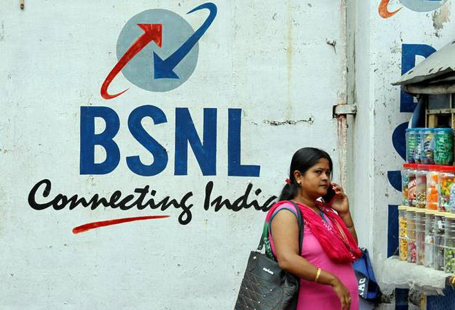 BSNL's non-payment of Rs 20,000 crore dues puts 1 lakh jobs at risk