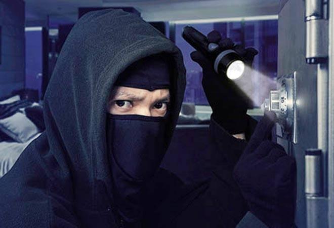 Ghaziabad bank robbery: Burglars drill through 9-inch wall, make away with crores