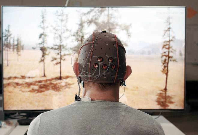 You may soon be able to control TV with your brain! Samsung's working on it