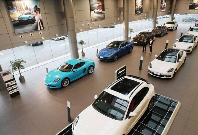 Slowdown Blues: One-fifth of automotive dealers in India expect reduced earnings in FY19
