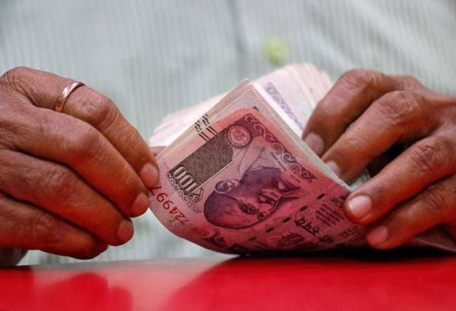 Rupee falls 18 paise to 75 amid strong dollar, weak domestic equities