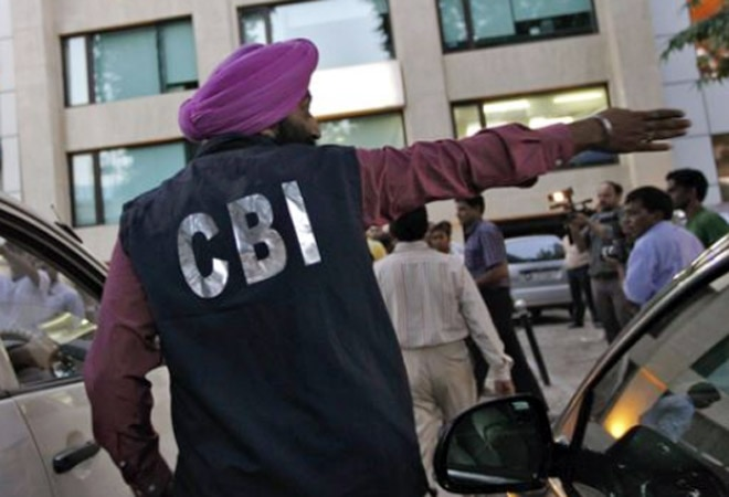 CBI raids CBI headquarters, arrests officials for taking bribe