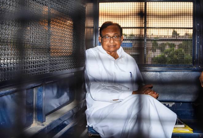 Rahul Gandhi, Priyanka visit Tihar jail to meet Chidambaram