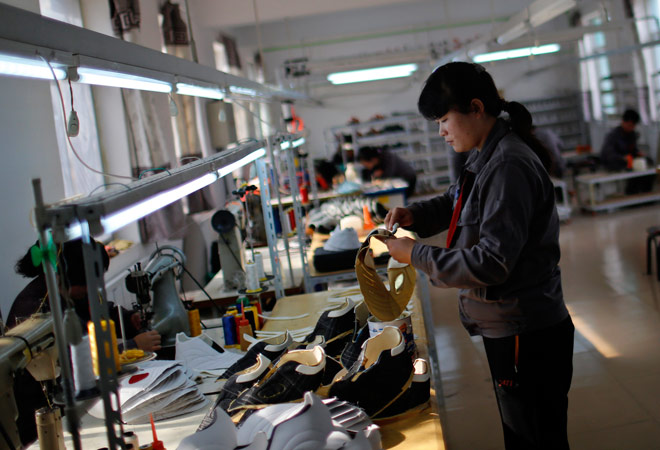 China's services sector in Dec grows fastest in 3 mths