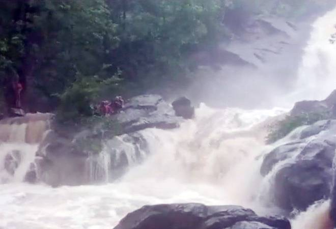 Maharashtra heavy rains: One dead, over 100 people rescued from Chinchoti waterfall