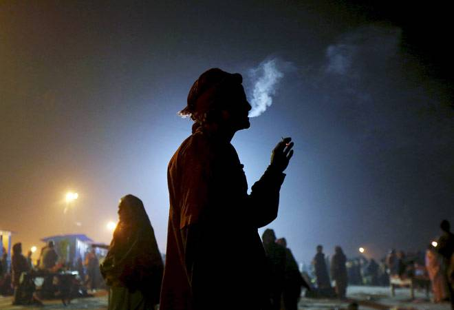 In health warning showdown, tobacco industry turns to Supreme Court