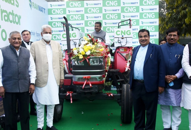 Will write to CMs to incentivise bio-CNG tractors: Nitin Gadkari