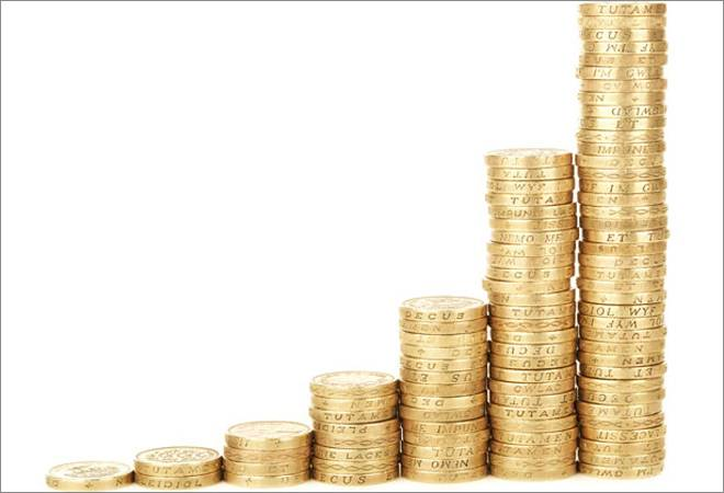Govt cuts interest rate on small savings schemes by 0.1%