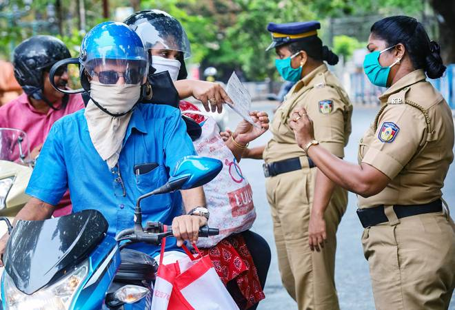 Police can't fine individuals travelling alone in vehicles: Health ministry