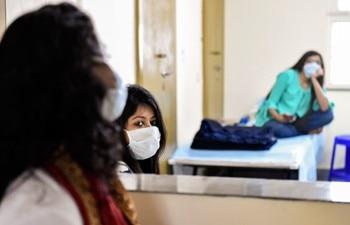 Coronavirus Lockdown Highlights India Records 1 076 Covid 19