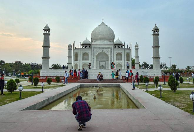 Taj Mahal vacated after hoax bomb call; caller traced to Firozabad
