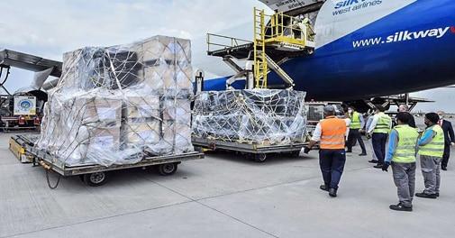 Indien-erhielt-am-Freitag-2-060-Sauerstoffkonzentratoren-und-467-Atemschutzmasken-als-Auslandshilfe