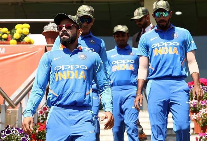World Cup 2019: Vijay Shankar, Dinesh Karthik included in Virat Kohli-led Team India; Rayadu, Pant ignored