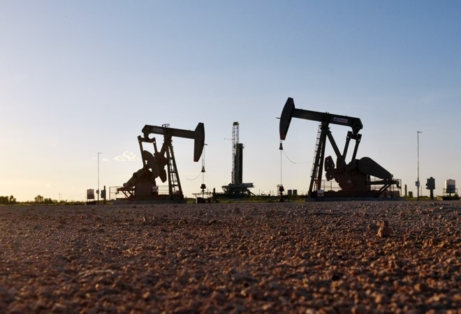 Oil prices rout continues, global stocks in dismay