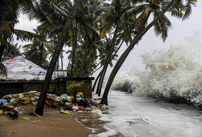 Cyclone Maha to make landfall in Gujarat on Thursday; Navy on alert
