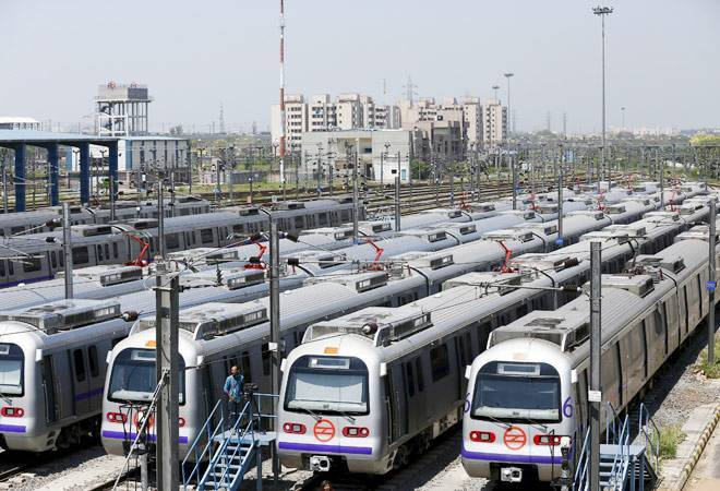 Delhi Metro fare hike: Daily commuters protest; Kejriwal govt also opposes the move