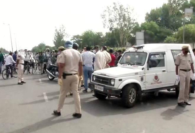 Delhi-Gurgaon border: Haryana govt seals border as coronavirus cases increase in capital
