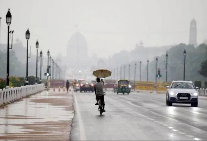 Heavy rains in Delhi-NCR brings down temperature