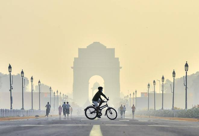 Delhi air quality slips to 'very poor' category; pollution to get worse this weekend